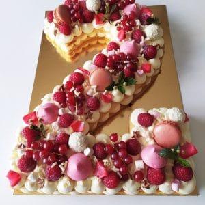 "Number cake  fruits rouges <div style=""font-size:18px"">(10 Parts)</div> number cakaes"