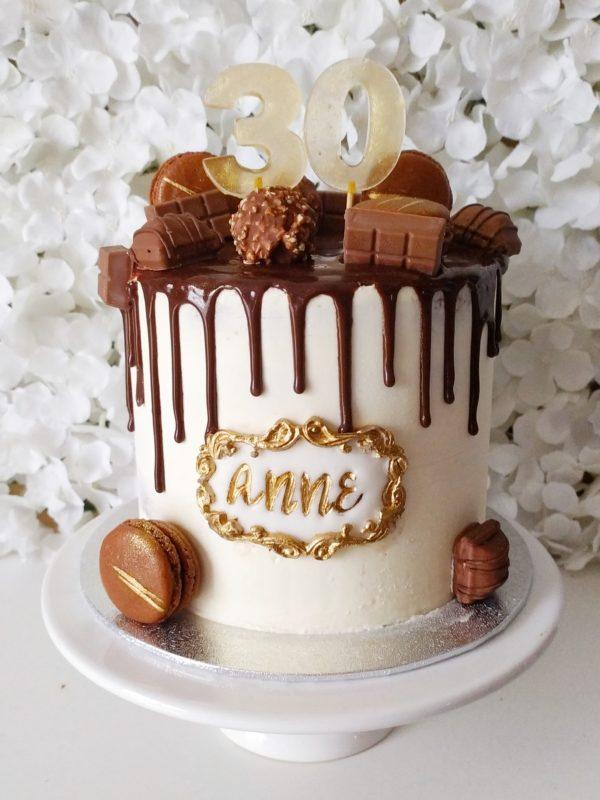 "Drip Cake Chocolat <div style=""font-size:18px;padding-bottom: 27px; }"">(10 à 12 parts)</div> gateaux"