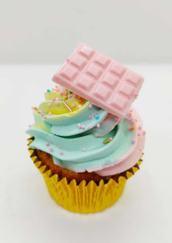 "Cupcake tricolore pastel  <br> <br><div style=""font-size:18px"">(Boite 12 pièces)</div> cupcake"