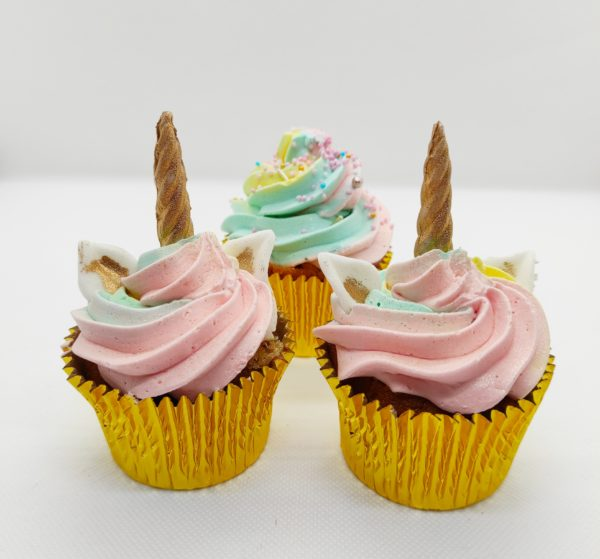 "Cupcakes licorne <br> <br><div style=""font-size:18px"">(Boite 12 pièces)</div> cupcake"